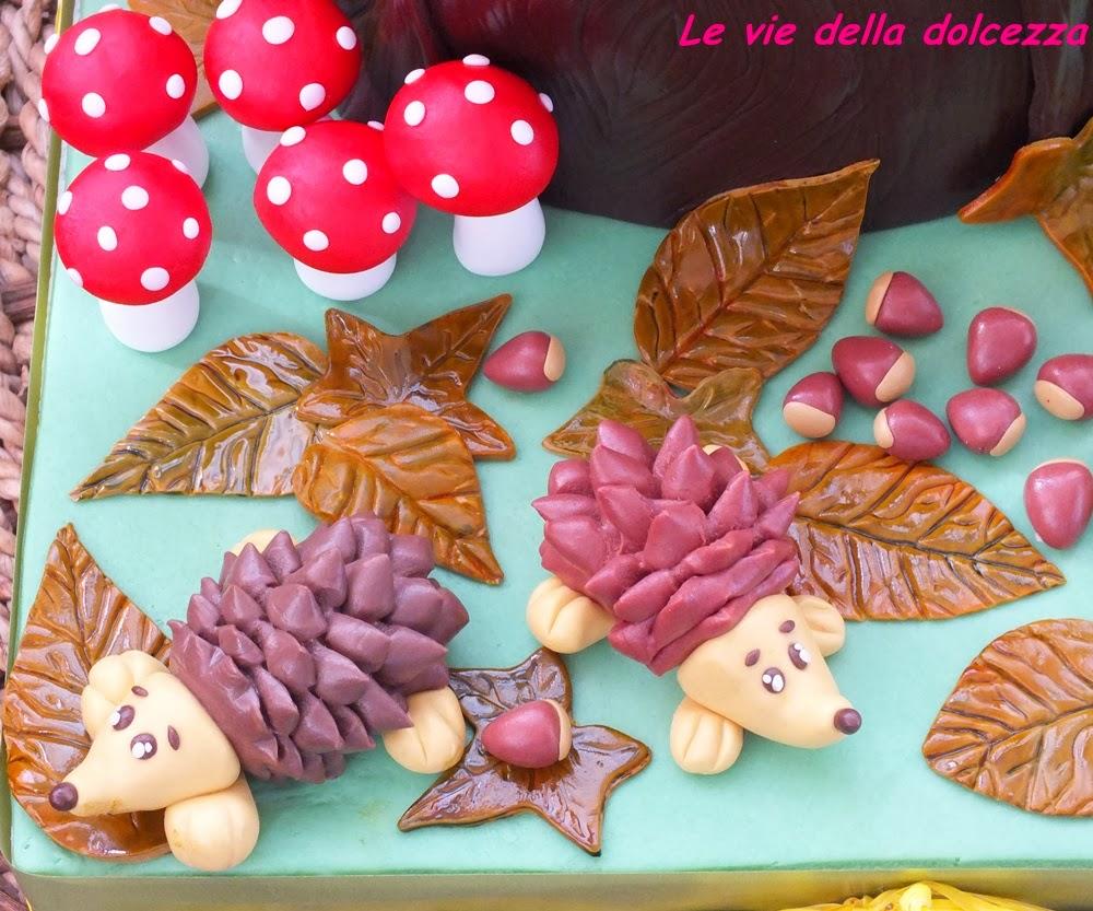 Porcospini foglie funghi castagne