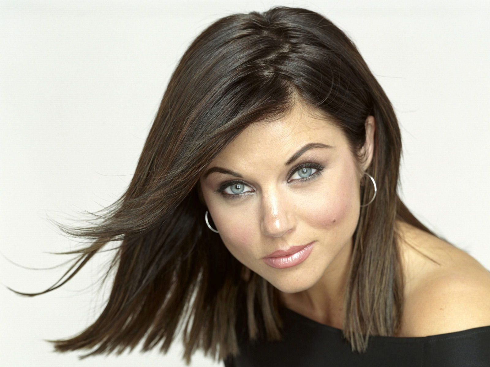 Tiffani thiessen Wallpaper 6 With 1600 x 1200 Resolution ( 223kB )