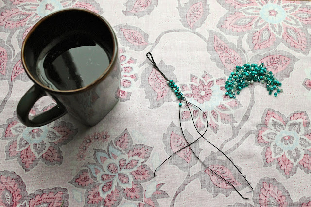 how to make bracelets with beads and string