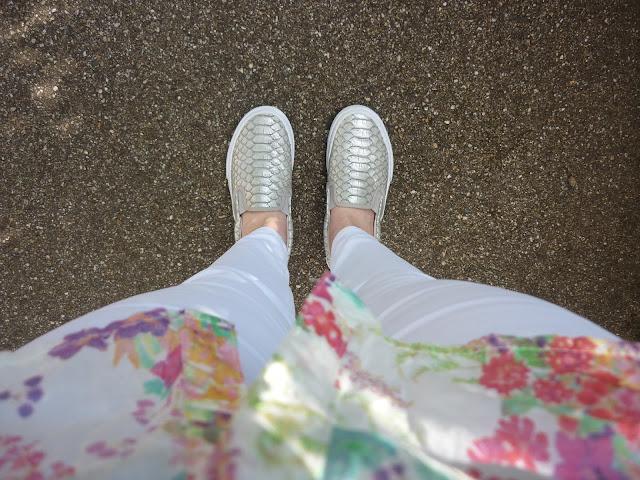 White Jeans & Silver Mock Cros | Petite Silver Vixen