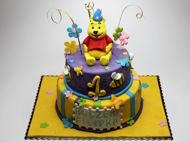 Winnie the Pooh Birthday Cake London