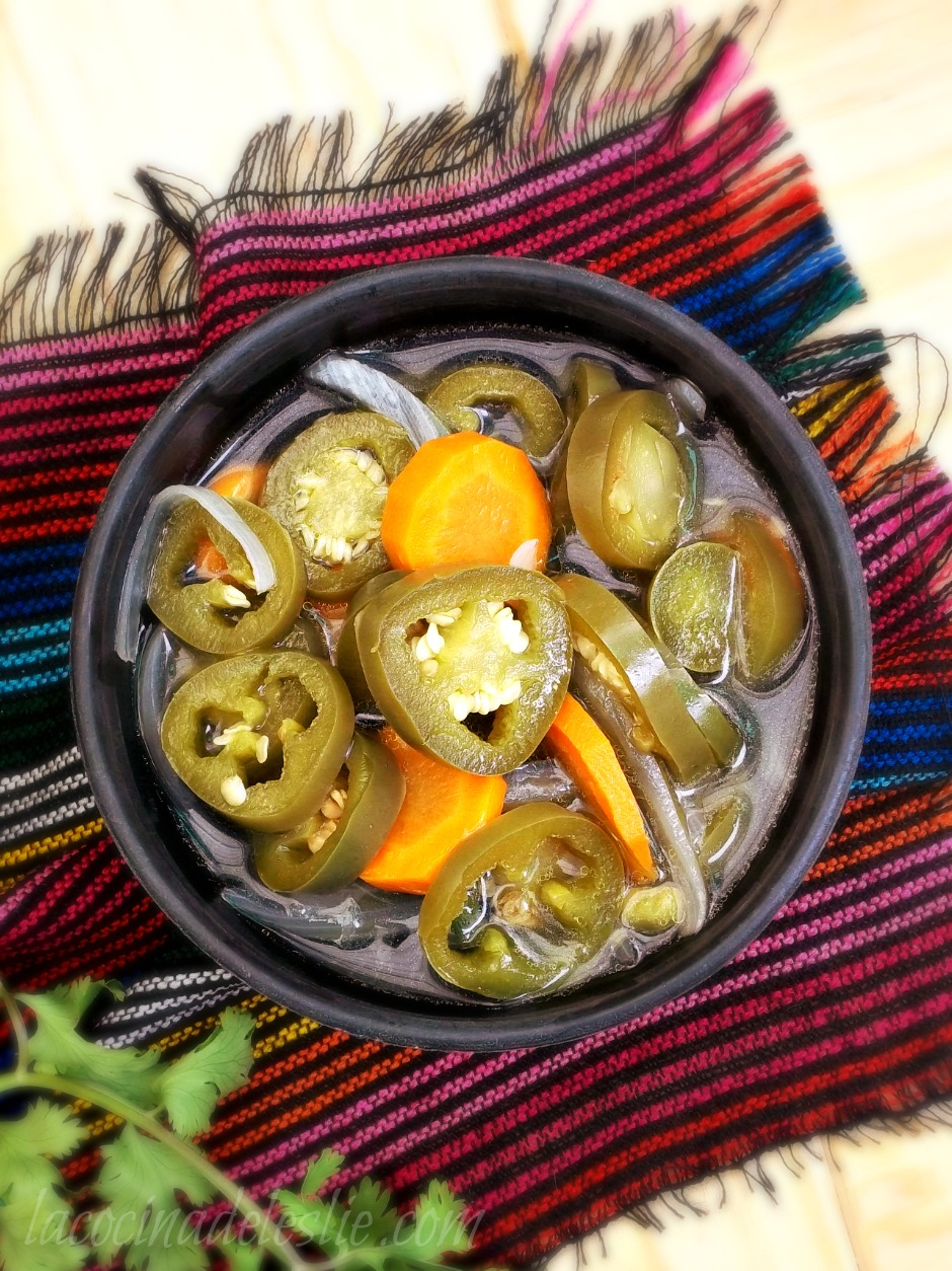 Jalapeños en Escabeche (Pickled Jalapeño Peppers) #SundaySupper - La ...