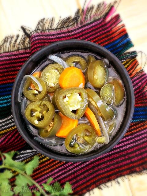 Jalapeños en Escabeche (Pickled Jalapeño Peppers) #SundaySupper - La ...