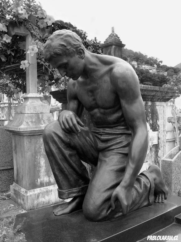 Young Man Statue,Cemitério São João Batista,Saint John the Baptist Cemetery,Rio de Janeiro, Brazil, Pablo Lara H Blog, pablolarah