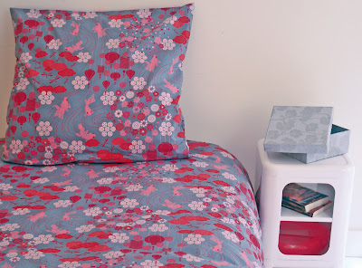 Kingyo Single Duvet Cover Set. Bedding is featured in a bedroom.