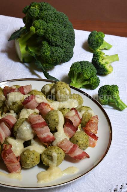 polpette di broccoli e ricotta con pancetta e fonduta di parmigiano