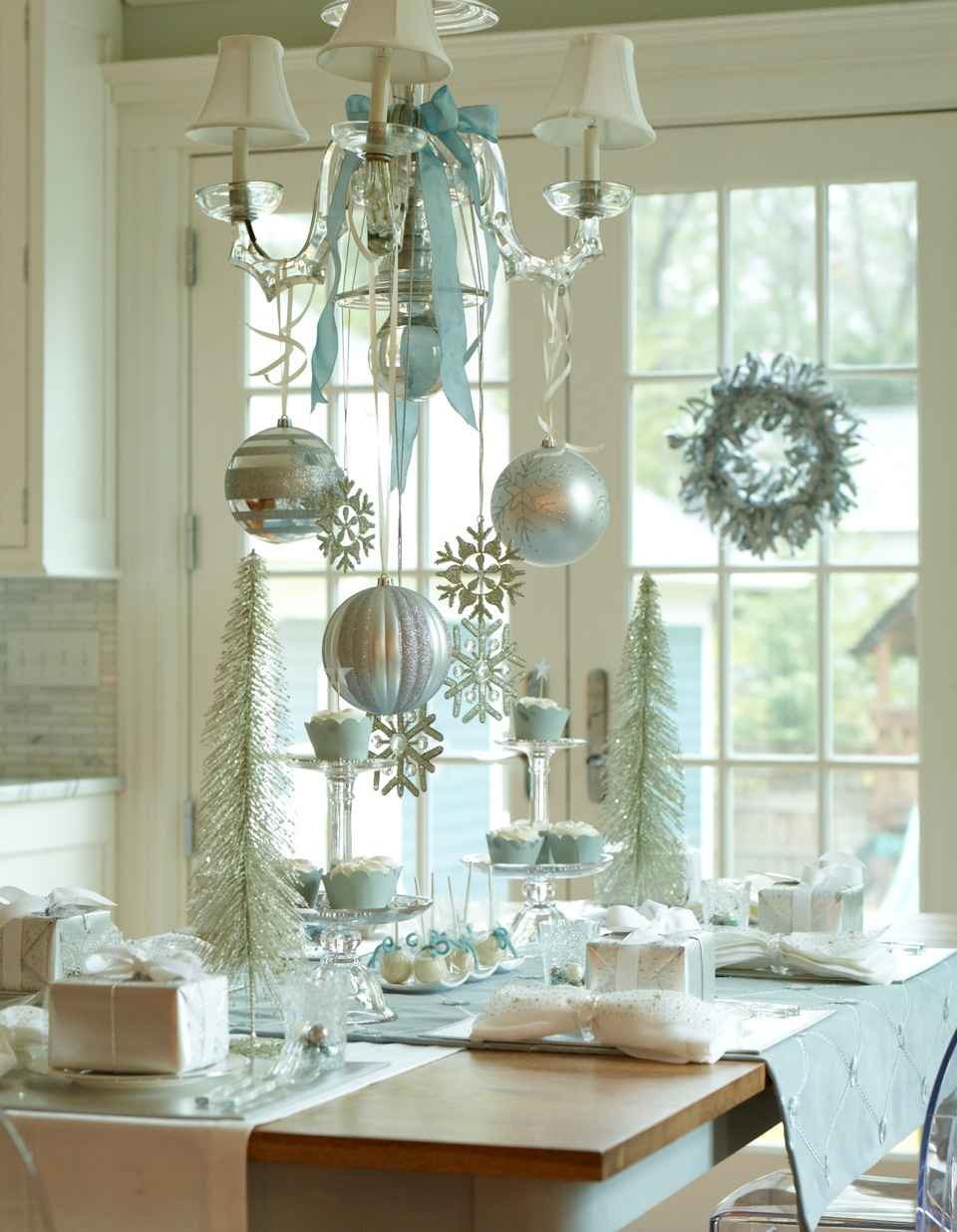 Christmasdecor decor ideas blue christmas decoration for Beautiful christmas decorating ideas