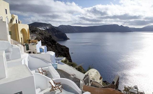 terraza colgada en Santorini