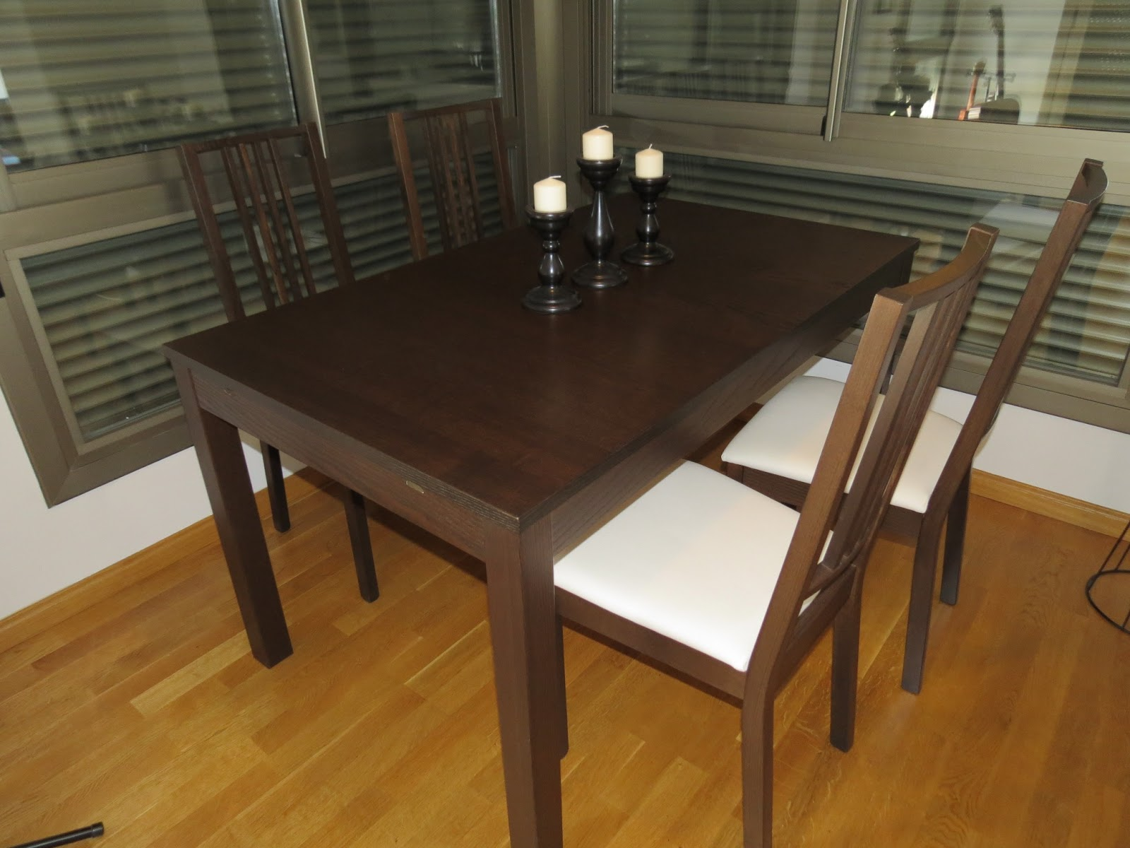 Vendemos nuestras cosas vendida mesa ikea bjursta - Mesa bjursta ikea ...