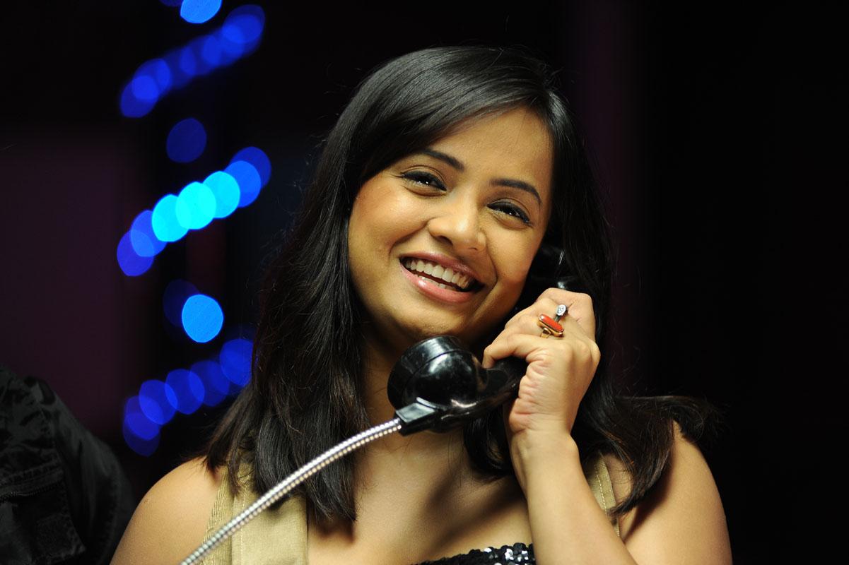 Tanu Roy Stills from Thirudan Police Movie | sab actress hot