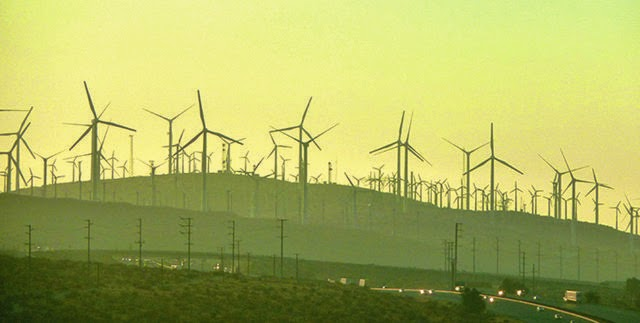 Wind turbines in Palm Springs, CA (Credit: Turner) Click to enlarge.
