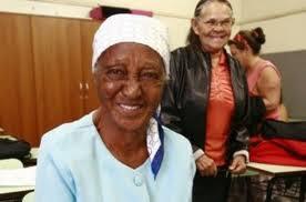 Isolina Campos warga usia 100 tahun baru masuk sekolah