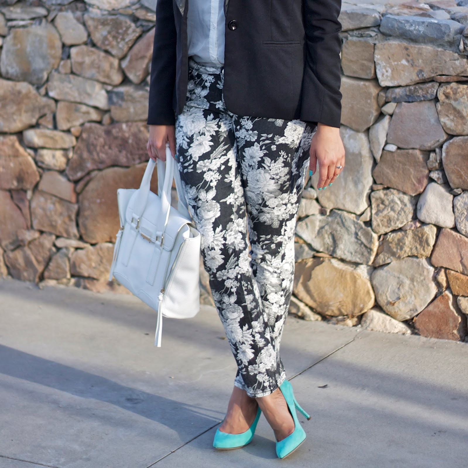 Black and White Floral pants with minty heels, Floral and mint trend for Spring 2014
