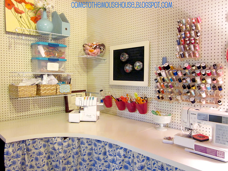 The basement craft room under 300 - Craft room ideas for small spaces concept ...