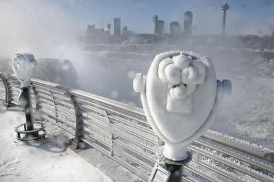 APTOPIX Niagara Falls Winter