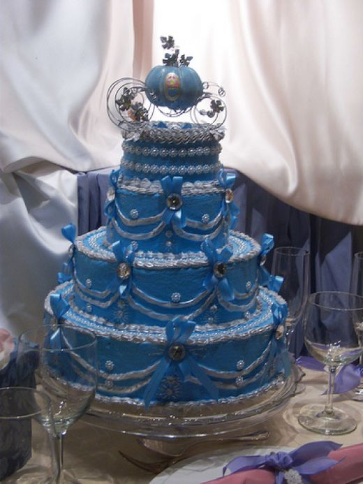 Castle And Train Cinderella Themed Wedding Cakes Wedding Ido