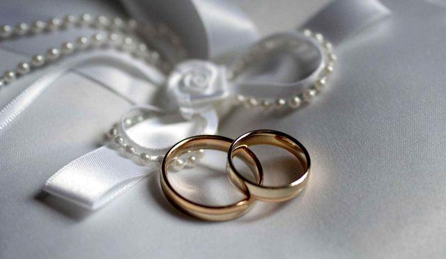 изделия из золота и серебра от ювелирных магазинов Эллада