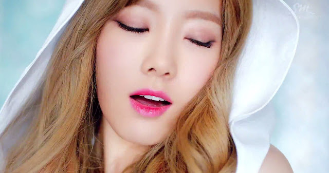Image of SNSD Taeyeon TTS Holler - pinknomenal.blogspot.com