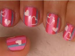 decorar Listras cinza e rosa com corações brancos