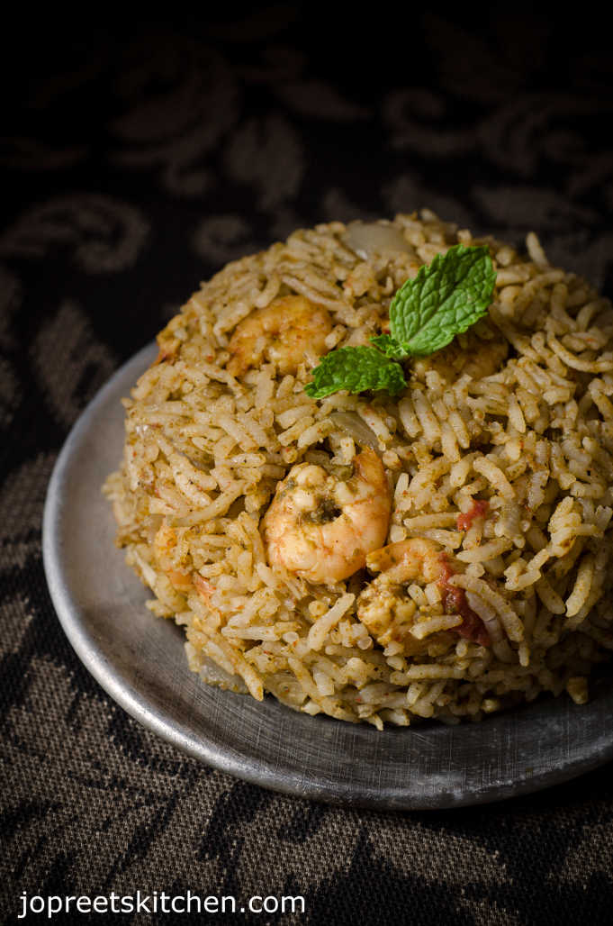Indian Kitchen: Easy Prawn Biryani / Jhinga Biryani