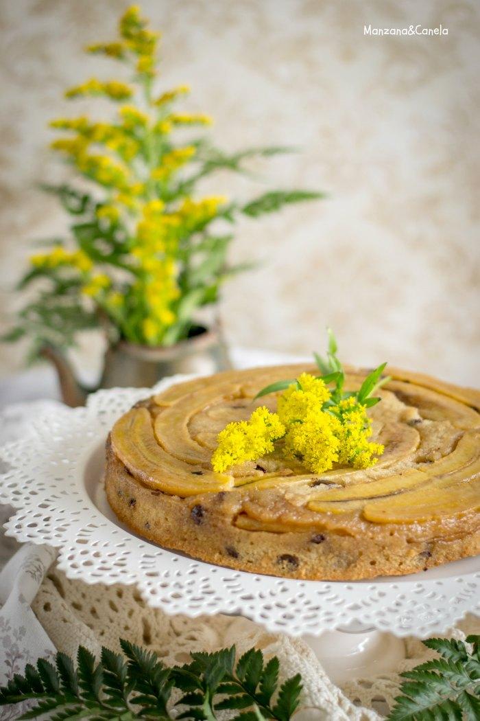 Pastel invertido de plátano y chocolate