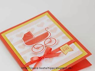 eine Babykarte mit selbst gestaltetem Hintergrund