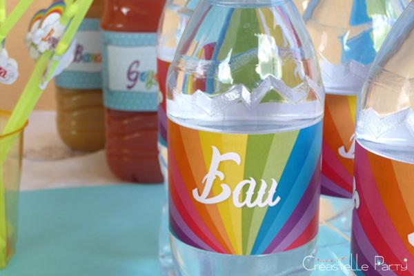 Sweet table arc-en-ciel étiquettes de bouteilles d'eau / rainbow water bottle label