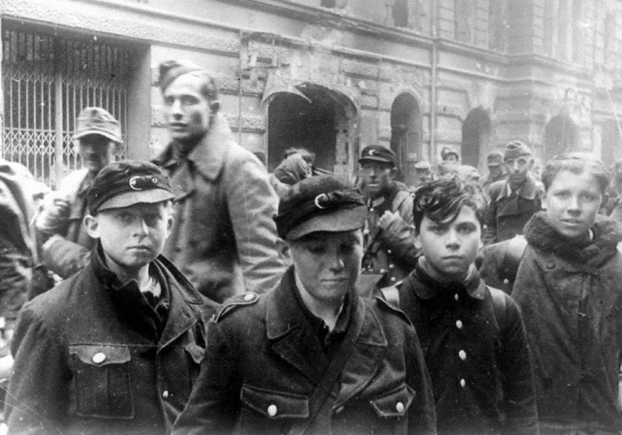 captured hitlerjugend boys pow