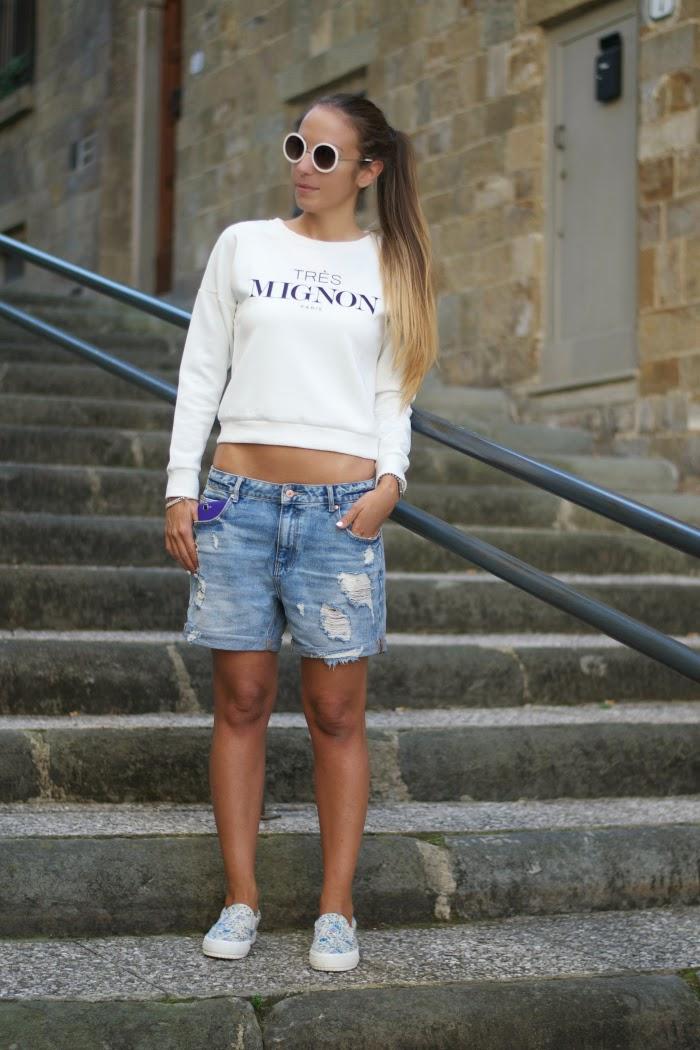 outfit con felpa