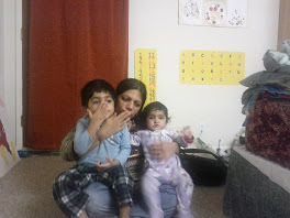 Ansh blowing a kissie with mommy and Khushi