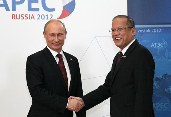 Russian President Vladimir Putin with President Benigno Aquino