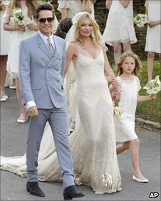 Kate Moss burst into Tears during Wedding