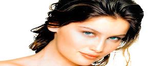 mavi göz siyah saç bayan resimleri