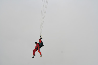 St. Peter-Ording: Fotos eines Tandem-Fallschirmabsprunges über dem ordinger Strand 29