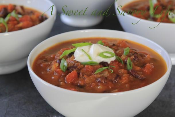 Low Calorie Pumpkin Black Bean Soup #healthysouprecipe