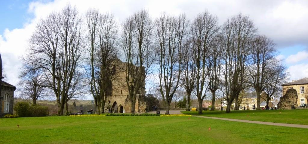 Mini Golf grass Putting at Knaresborough Castle