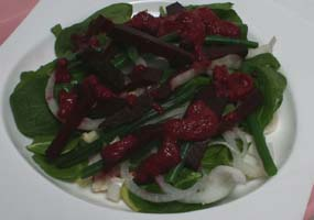 Weight Loss Recipes : Spinach Salad with Warm Beet Dressing