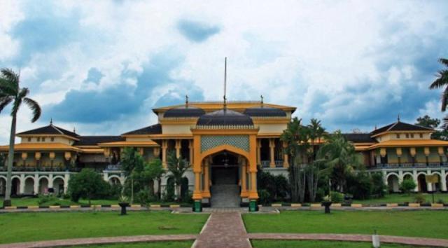 The beauty of the Palace Maimun - Medan North Sumatra