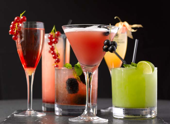 Luxury life design the surprising history of the cocktails for Good alcoholic mixed drinks