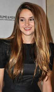 Shailene Woodley Height - How Tall
