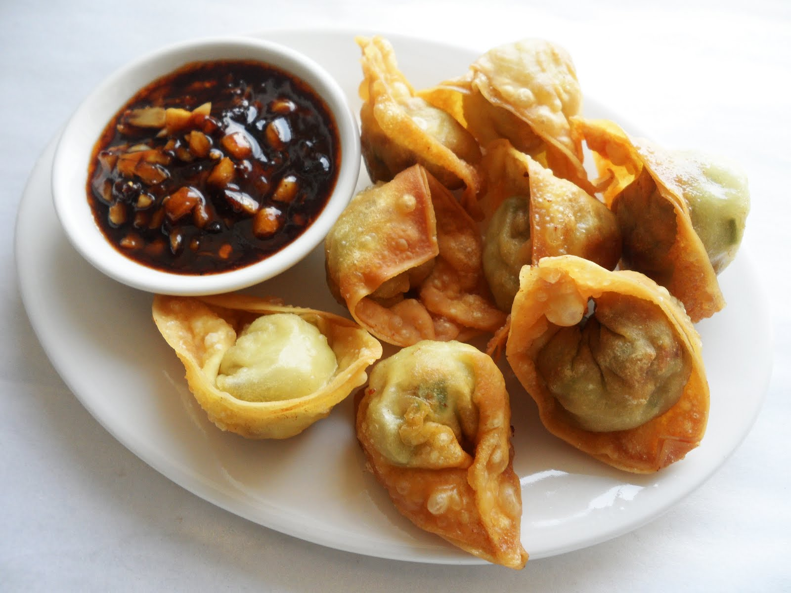 Sugar Break: Crispy Fried Wonton With Home Made Chilli Sauce