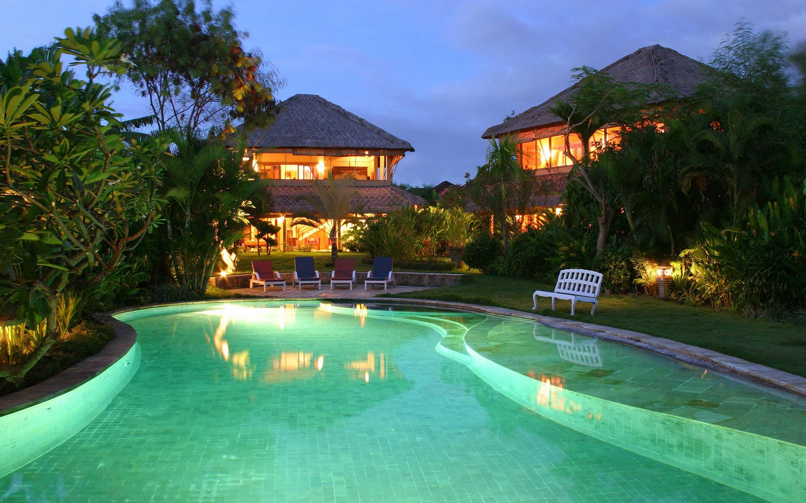 Zwembad achtergronden hd wallpapers - Zwembad huis ...