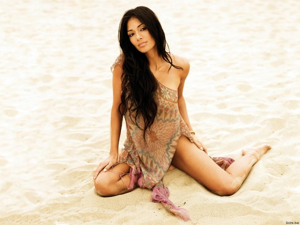 http://2.bp.blogspot.com/-aPUBCMyvJJg/TxIMLEnQDaI/AAAAAAAAPlQ/22y5M9oIs-M/s1600/Nicole-nicole-scherzinger-2.jpg