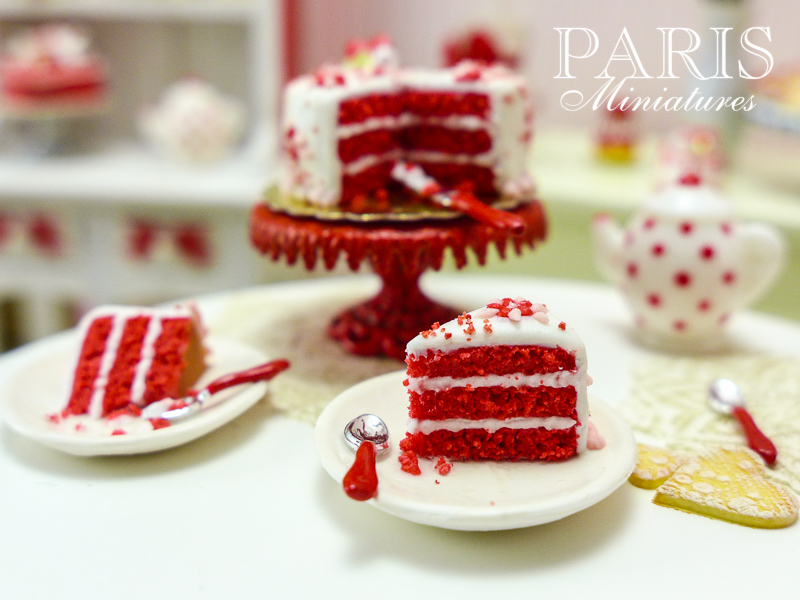 Miniature food - red velvet cake