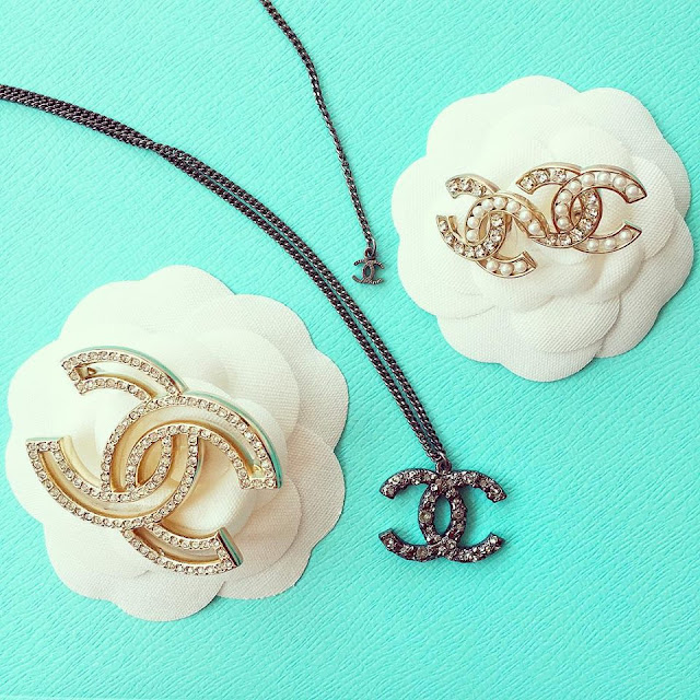 Chanel, classy, classic, fashion blog, chanel necklace, chanel brooch, chanel earrings