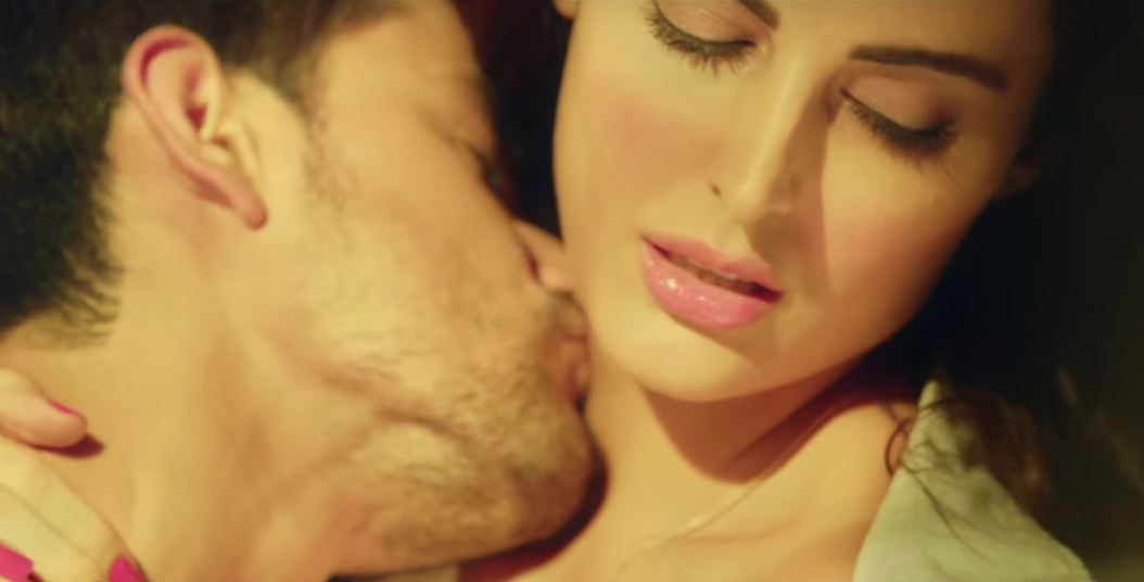 mandana karimi bhaag johnny hot photos