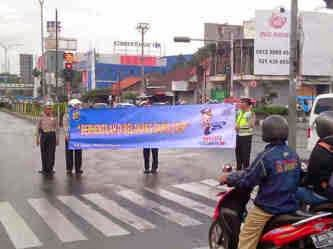Menuju Indonesia Tertib,  Satlantas Depok Sosialisasikan Tertib Marka Jalan