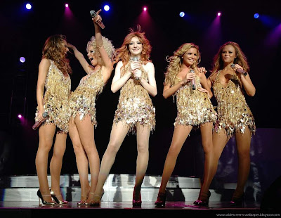 Girls aloud concert wallpaper collections