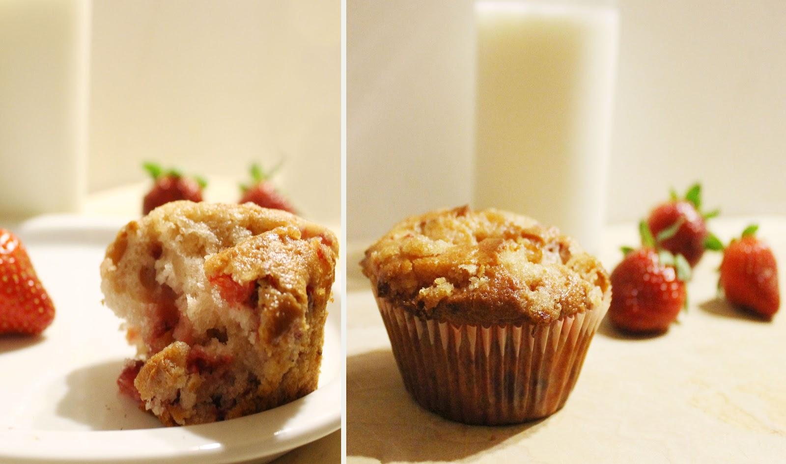 Muffin Strawberry White Chocolate Strawberry And White Chocolate