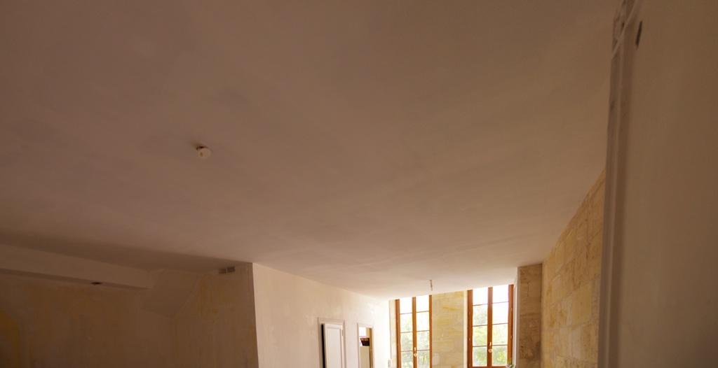 notre maison en cours de r novation plafond du salon encore et toujours. Black Bedroom Furniture Sets. Home Design Ideas